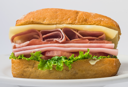 Sándwich Tres Jamones
