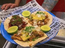 Tacos Arrachera o Campechanos + Bebida