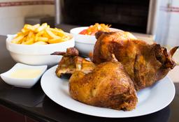 Pollo a la Brasa y 1/2 con Papas y Ensalada