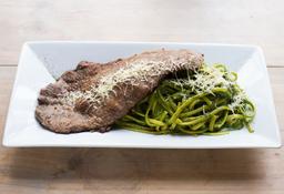 Tallarines Verdes con Bisteck Apanado