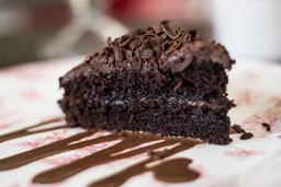 Torta de Chocolate Mediana Decorada