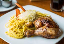 Spaghetti A La Huancaína Con 1/4 Pollo A La Brasa
