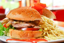 Sandwich De Pollo A La Brasa