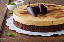 Torta De Chocolate Con lúcuma