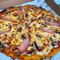 Pizza Funghi y Prociutto