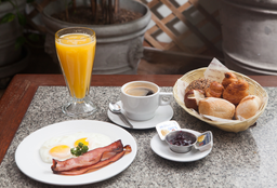 Desayuno Americano con Tocino
