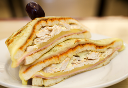 Sándwich Especial de Mozzarella