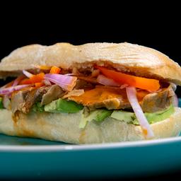 Sándwich de Asado Peruano