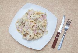 Chicken & Ham Alfredo Pasta