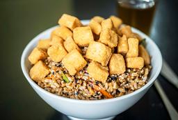 Saltado Oriental Con Tofu Crocante