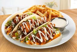Crispy Chicken Tacos con Papas Fritas