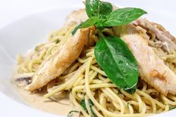 Spaghetti al Vino Marsala Con Pollo