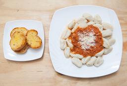 Gnocchi con Salsa Pomodoro + Pan al ajo
