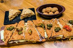Cachopo + 2 porciones tortilla española + croquetas