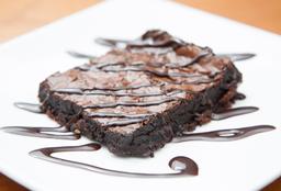 Brownie + Bebida Caliente