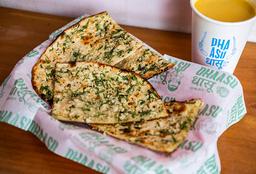 Garlic Naan (Pan Plano con Ajo)