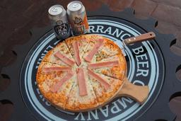 Pizza + 2 Cervezas Gratis