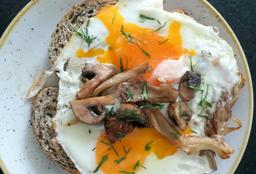 Huevos Reventados con Hongos