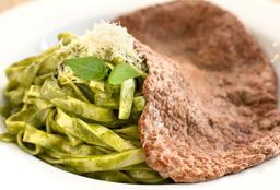 Fetuccini Pesto Con Bisteck