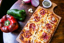 Full Monty Pizza