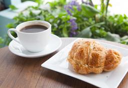 Croissant + Café Americano