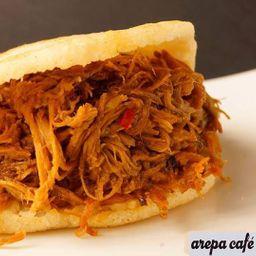 Arepa Jr Carne Mechada