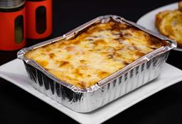Lasagna Y y Pan al ajo de Regalo