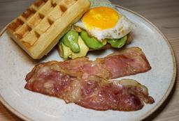 Waffle Huevo y Tocino