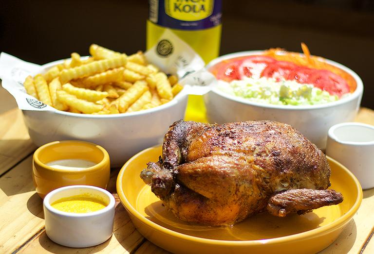 Logo Primos Chicken Bar - Pollo